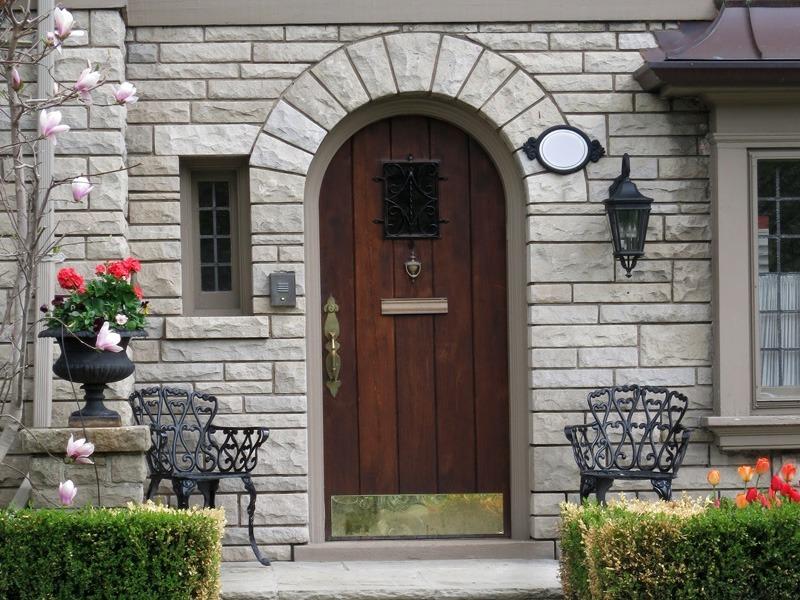 CR DoorsBuilding the Doors to Your Future